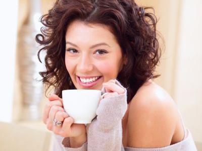 5 ceaiuri care te ajută în detoxifiere