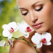 3 preparate din plante care vindecă acneea. Le poţi prepara şi tu acasă!