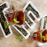 Tratează insomnia cu ajutorul ceaiurilor din plante