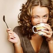 Surse naturale de energie: Câtă cafea este bine să bem pe zi și cu ce o putem înlocui