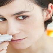 Vă curge sânge din nas? Iată ce trebuie să știți