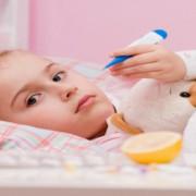 Cum întărim imunitatea copiilor în sezonul rece? Suplimente VS Remedii naturiste