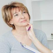 Atenţie la simptomele premenopauzei! Iată cum le recunoașteți