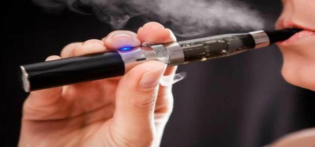 Tinerii care fumează țigări electronice pot avea tulburări de creștere și de comportament